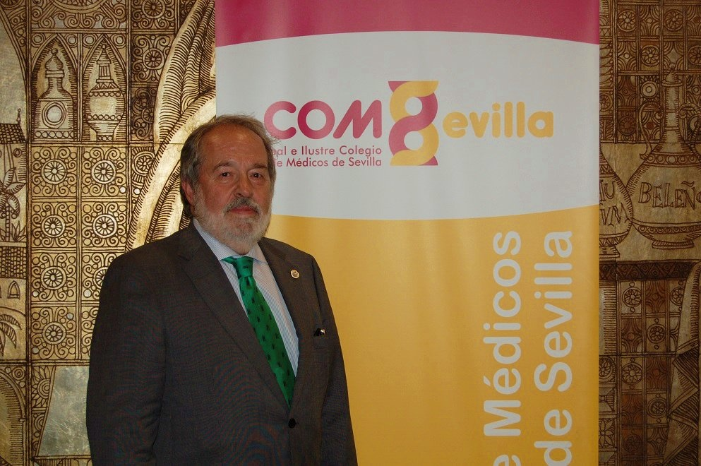 Alfonso Carmona, presidente de todos los médicos sevillanos