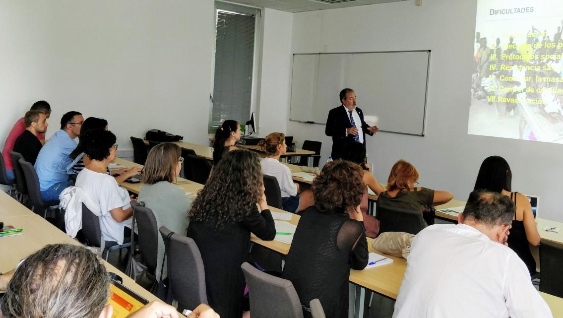 Las campañas de vacunación en África de Grupo IHP, protagonistas en los Cursos de Verano de La Rábida (Huelva)