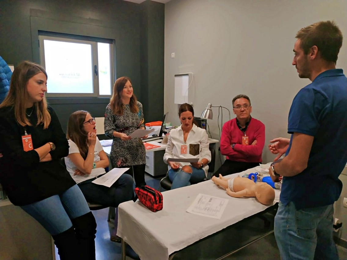 Grupo IHP lleva a Huelva las últimas técnicas de reanimación cardiopulmonar para recién nacidos