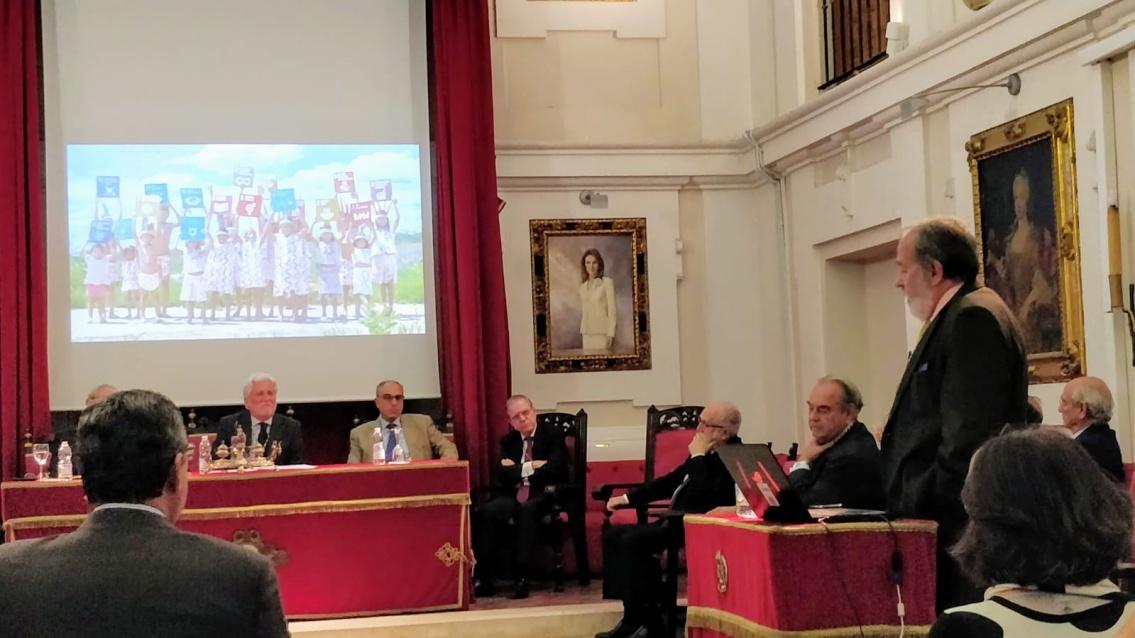 La Academia de Medicina de Sevilla reconoce las campañas de vacunación de Grupo IHP