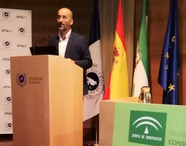 «Hemos logrado aupar a Andalucía a la cabeza de la vacunación en España»