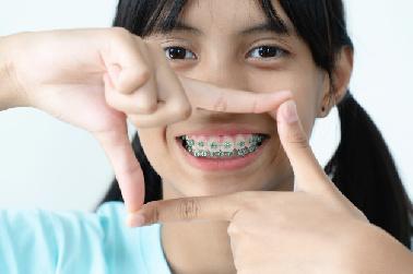 Es aconsejable llevar al niño al odontopediatra a partir de los 3 años anualmente