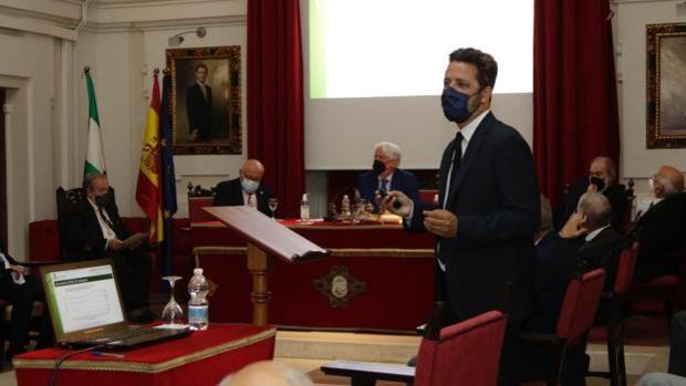 Grupo IHP defiende en la Real Academia de Medicina y Cirugía de Sevilla la vacunación ante los bulos presentes en la sociedad