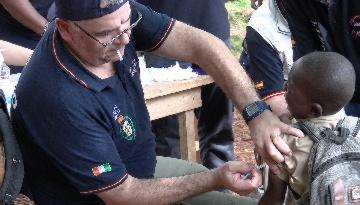 Grupo IHP supera las expectativas de niños inmunizados contra la meningitis en Costa de Marfil