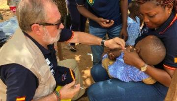 Miembros de Grupo IHP vacunan a más de 8.500 niños contra la meningitis en Costa de Marfil