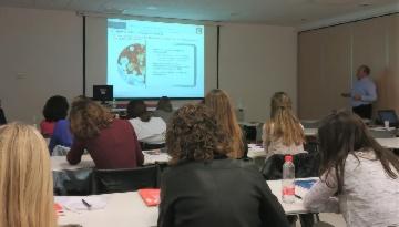 Los MIR de Pediatría y Medicina Familiar de Málaga amplían sus conocimientos sobre vacunas de la mano de Grupo IHP